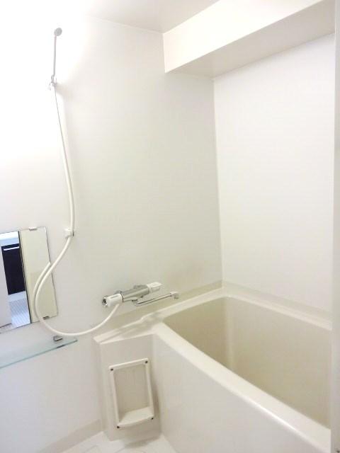 【カレラ近代美術館前_702】浴室.JPG
