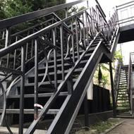 階段補修を行いました。