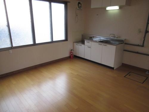 【新川315_1号室】居間2.jpg
