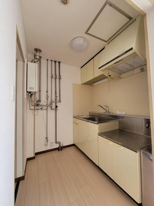 【ヴィアフェラーラA201】キッチン.JPG